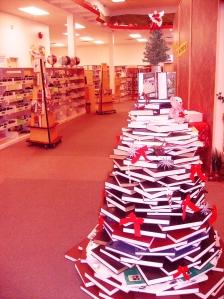 libray xmas tree