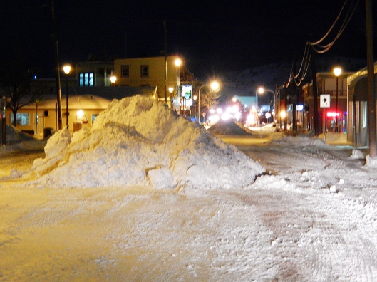 After a steady day of snow, City of Merritt works crews cleared it all from downtown streets & hauled it away on Monday night.